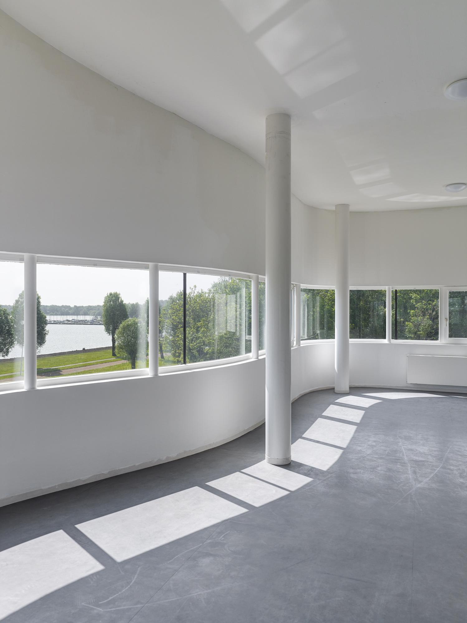 Wall House M Ller Reimann Architekten